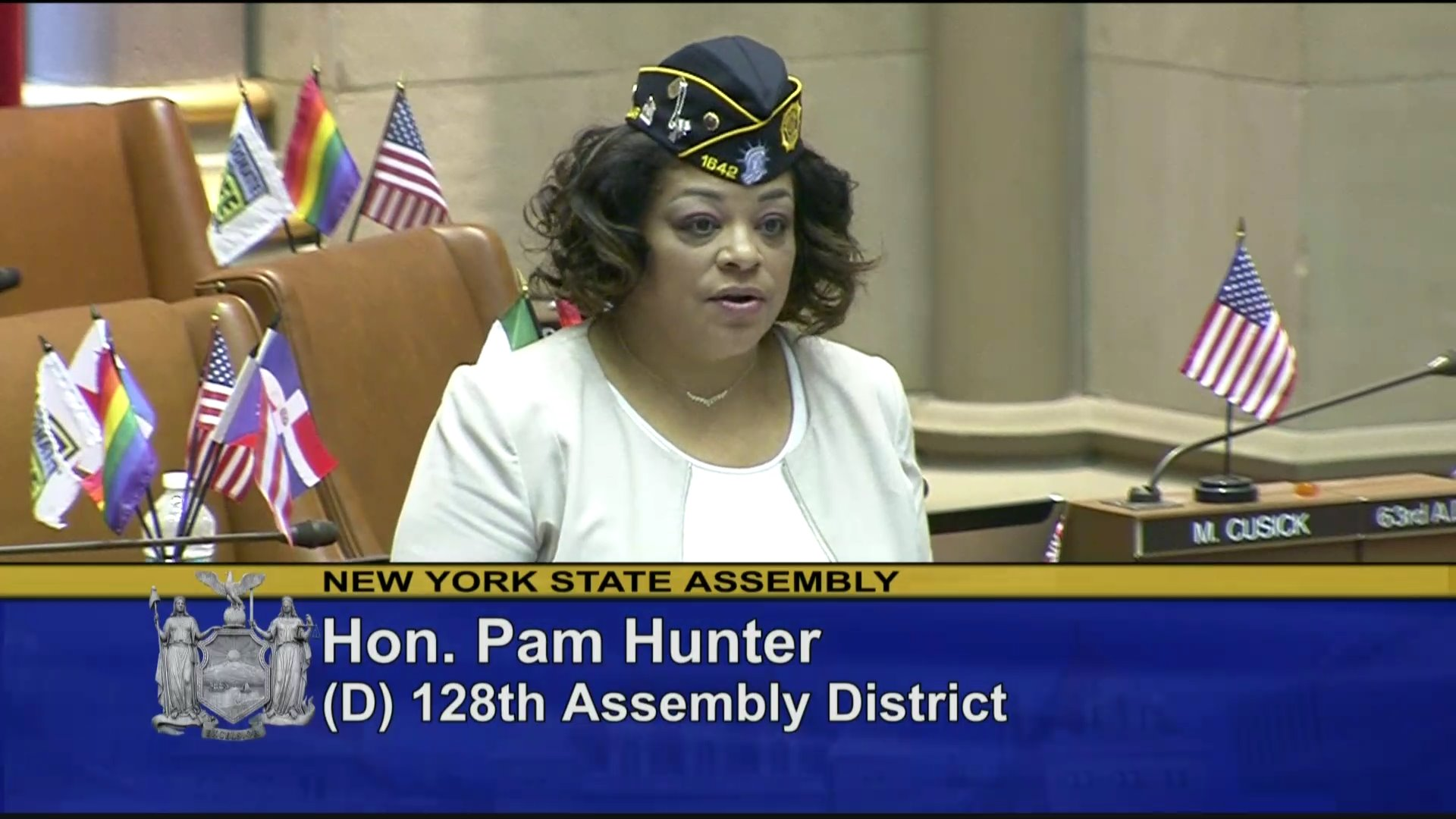 Hunter Introduces Women Veterans