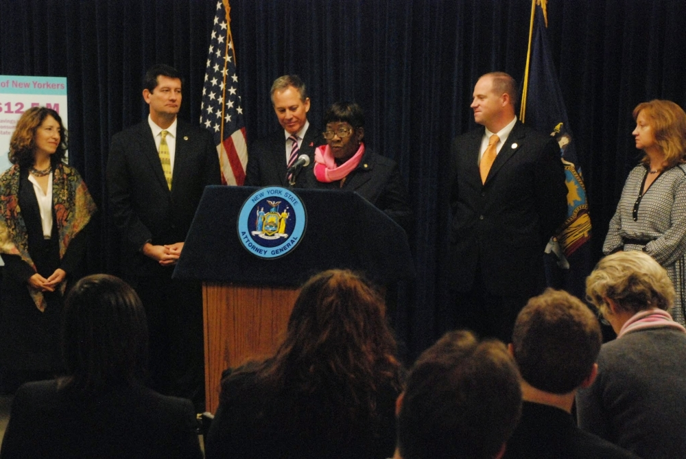 Assemblywoman Crystal Peoples-Stokes joined Attorney General Schneiderman and her colleagues in government, highlighting the Health Care Bureau's Helpline new report.